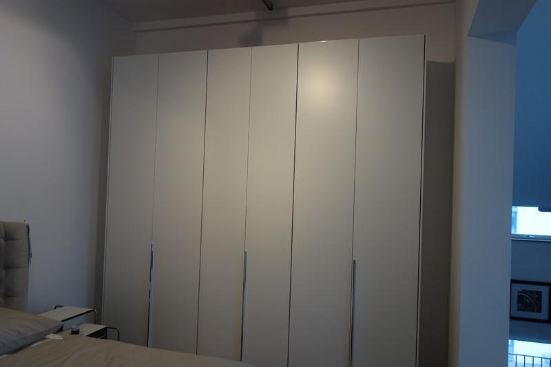 Molteni & C Kleiderschrank günstig kaufen | markenmoebel-preiswerter.de