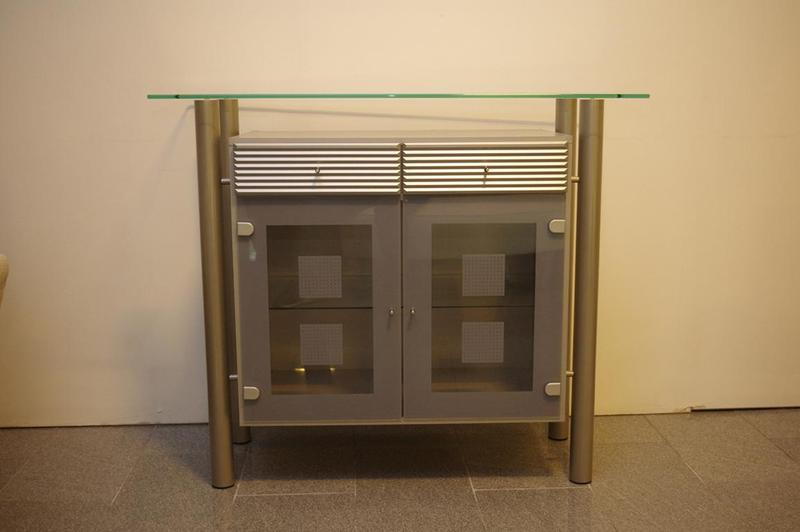 sonstiges glas schrank wand sideboard highboards. Black Bedroom Furniture Sets. Home Design Ideas