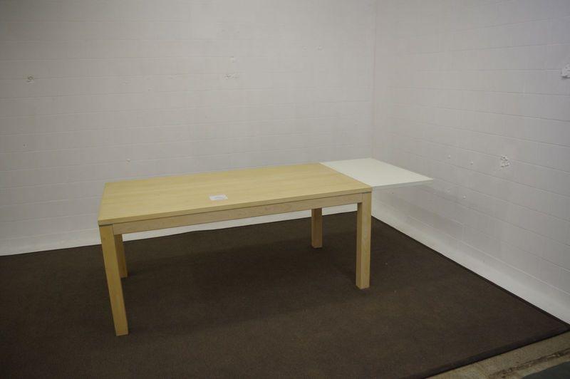 axelsen esstisch ahorn massiv g nstig kaufen markenmoebel. Black Bedroom Furniture Sets. Home Design Ideas